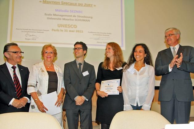 Mélodie Seznec reçoit son prix